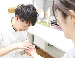 バネ指の治療